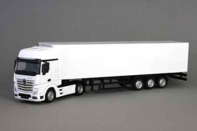 MB Actros MP4 Gigaspace Euro 6 4x2 white