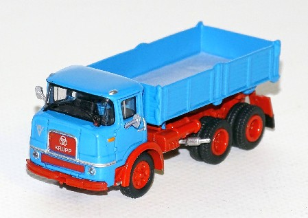 Krupp F 360 K blau/rotes Chassis 1:87
