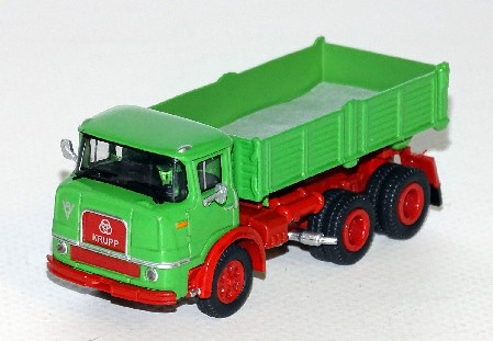 Krupp F 360 K gruene/rotes Chassis 1:87